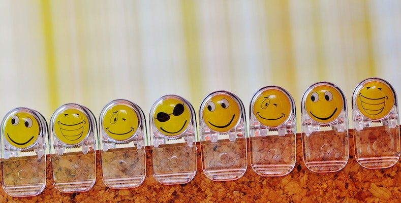 A study suggests academics should use emojis in correspondences with students