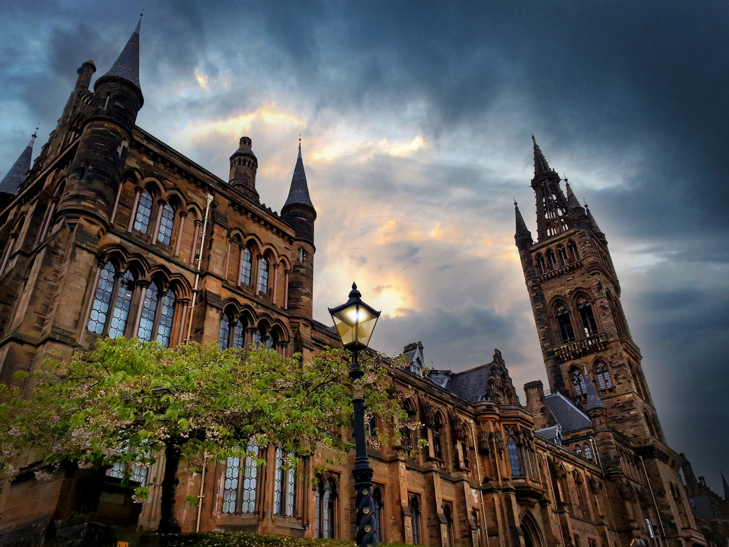 Scottish government looks at 'staggered' return of students after Christmas