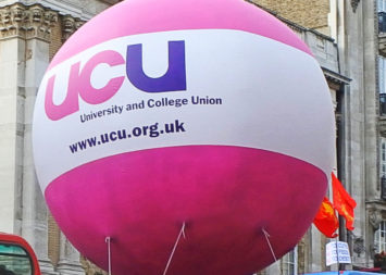 UCLan: UCU members back strike action